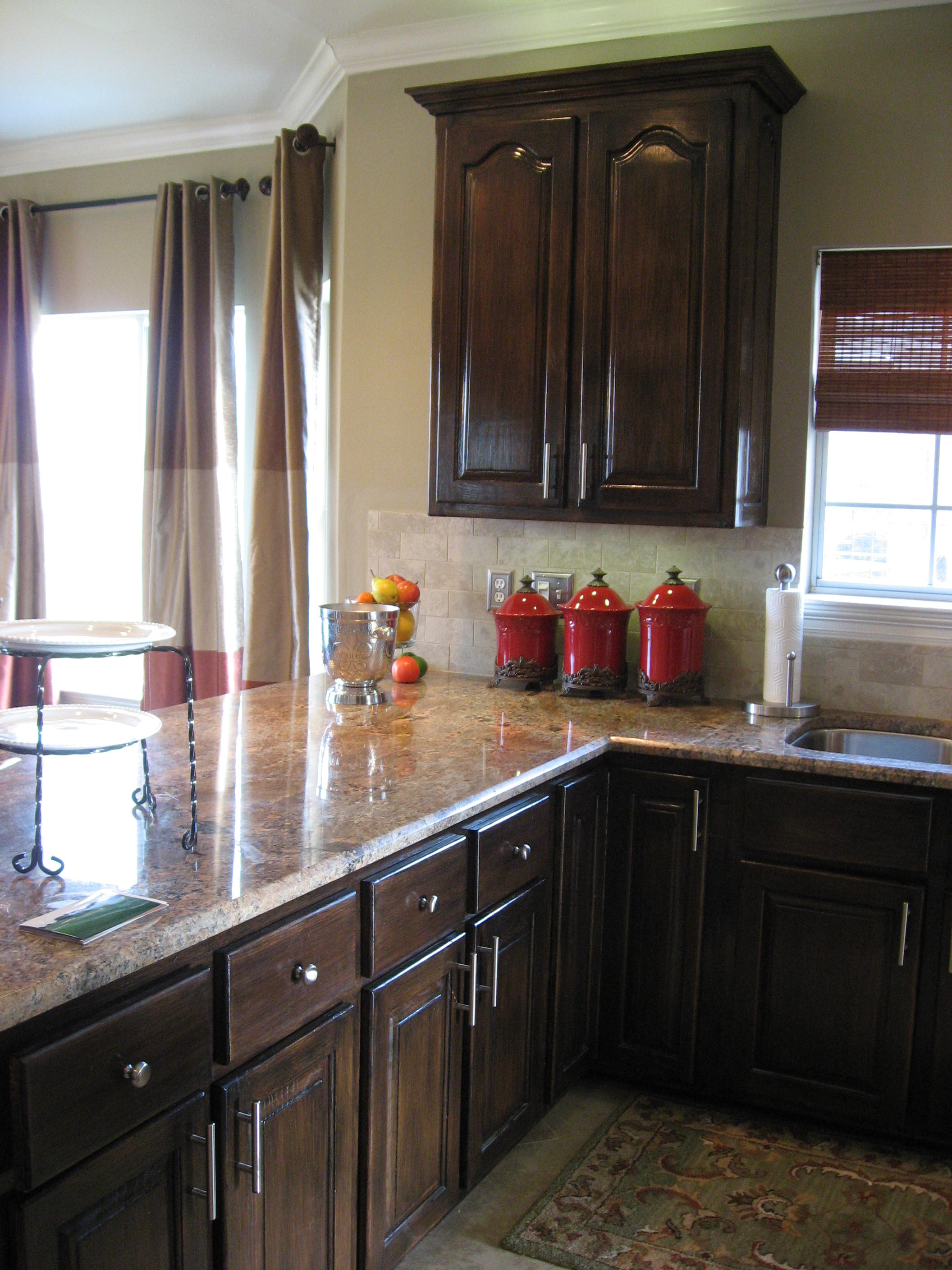 Red Kitchen Cabinets With Black Glaze ~ facepicz.com